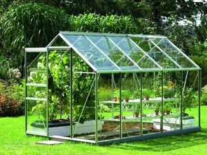 Преимущества и недостатки стеклянных теплиц