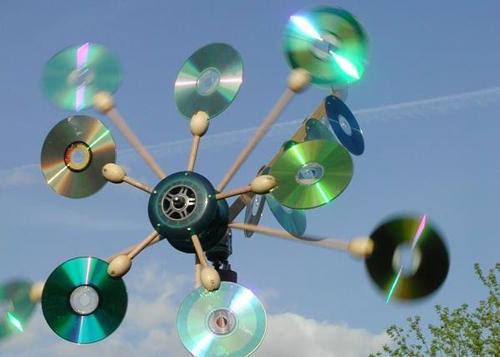 Вертушка из дисков для отпугивания птиц