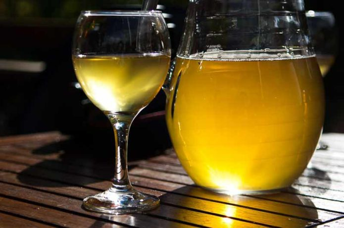 Вино из винограда Лора