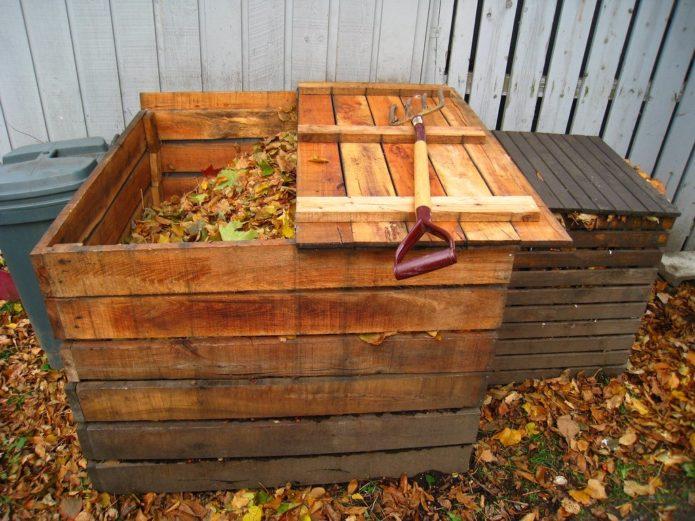 Укрытие компостной ямы