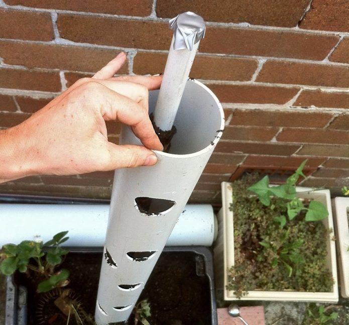 Пластиковые трубы для вертикальных грядок
